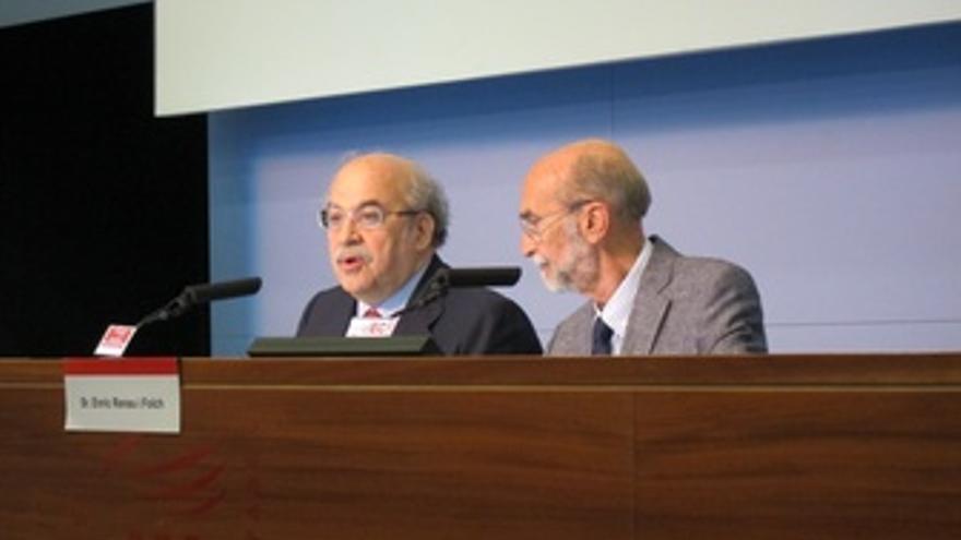 El Conseller Andreu Mas-Colell Y El Pte. D La Fundación Fórum Barcelona, E.Renau