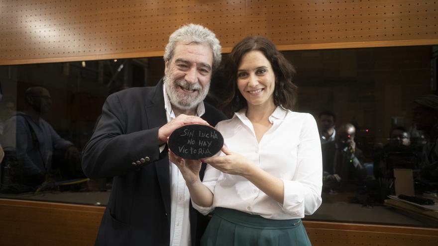 Isabel Díaz Ayuso y su jefe de gabinete, Miguel Ángel Rodríguez, en la investidura de agosto de 2019.