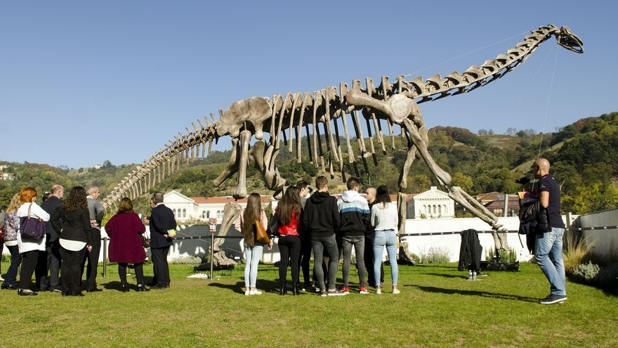 Un total de 19.000 personas han visitado la exposición 'Colosos Jurásicos' en el Paraninfo de la UPV/EHU en Bilbao