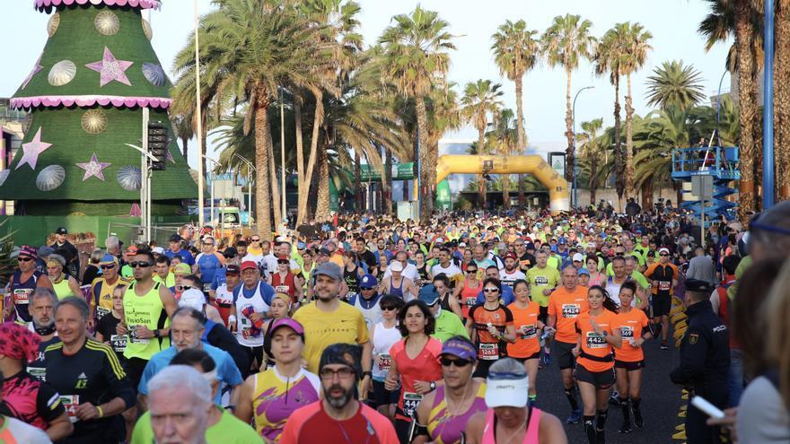 Salida de la Gran Canaria Maratón. (ALEJANDRO RAMOS)