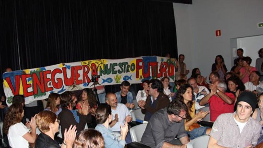Pancarta ecologista a favor de Veneguera. (Turcón Ecologistas).
