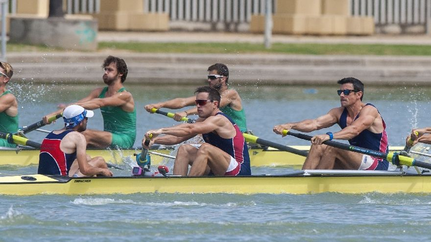 La prueba de ocho con timonel del Campeonato de España de remo, en el Guadalquivir