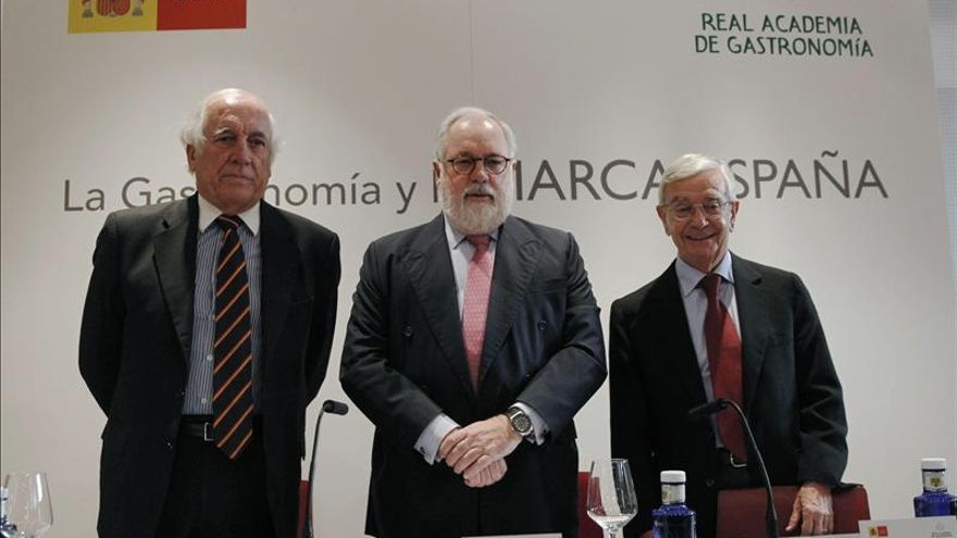 Arias Cañete dice que los restaurantes se convierten en plataformas para la exportación