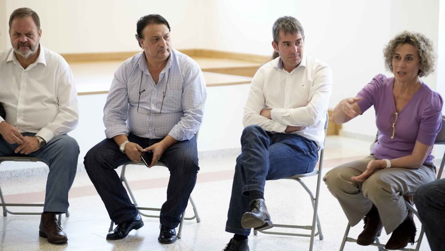 El candidato de Coalición Canaria a la Presidencia del Gobierno de Canarias  durante su visita a La Aldea