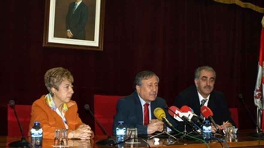 Conferencia Del Embajador De Palestina