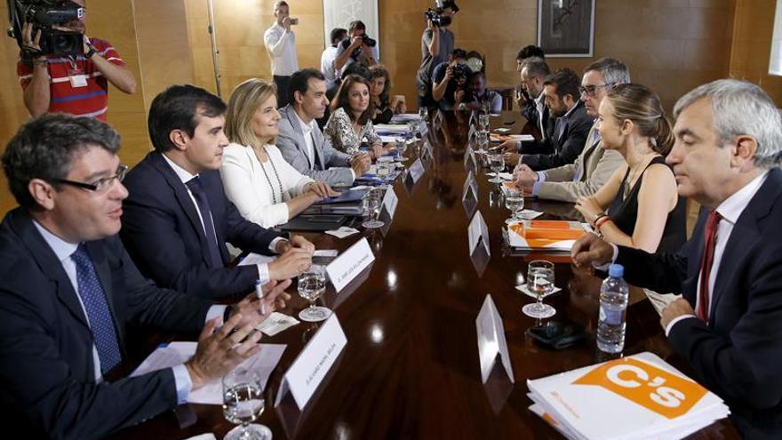Rivera avisa al PP que no habrá desbloqueo si no acepta las reformas institucionales