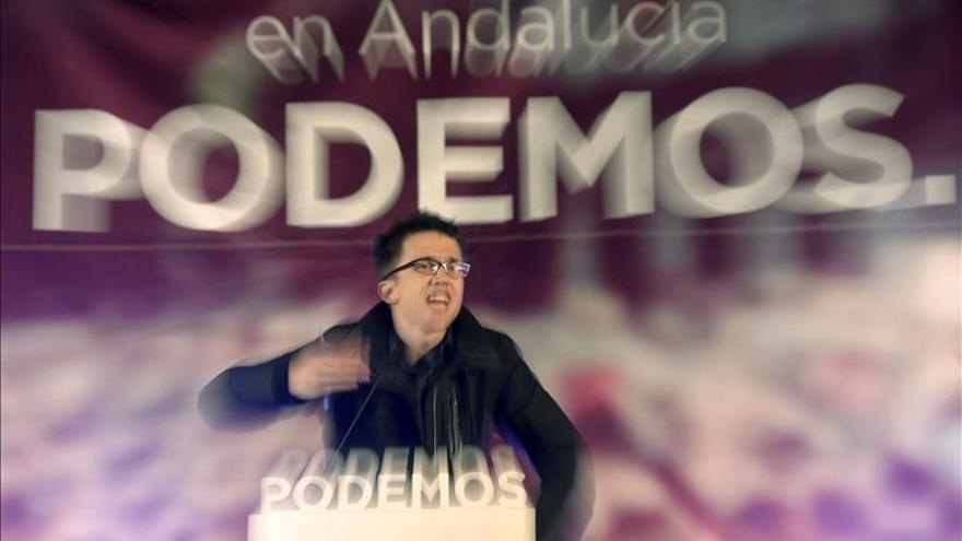 """Errejón ofrece mano tendida a todos los partidos, pero para """"girar"""" políticas"""