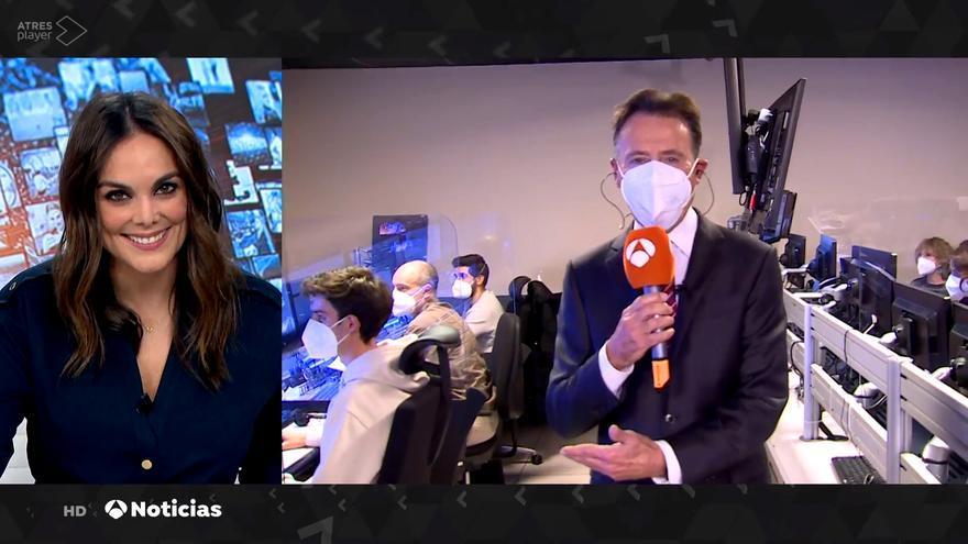 Matías Prats bromeó con Mónica Carrillo en 'Antena 3 Noticias'