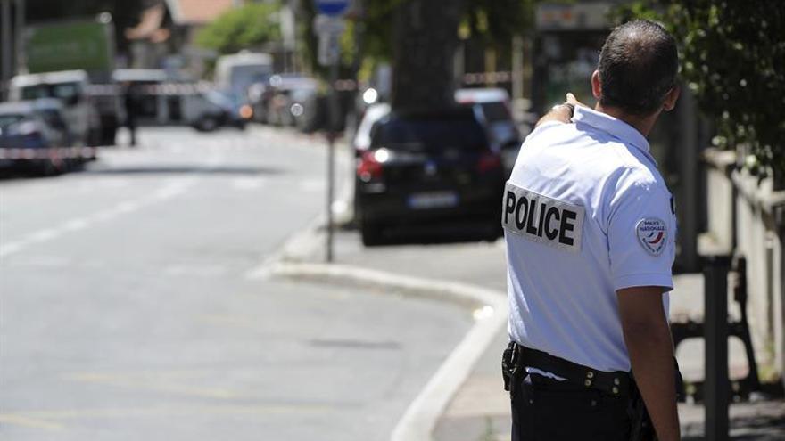 La policía francesa instala controles en todos los pasos de Irun y Behobia