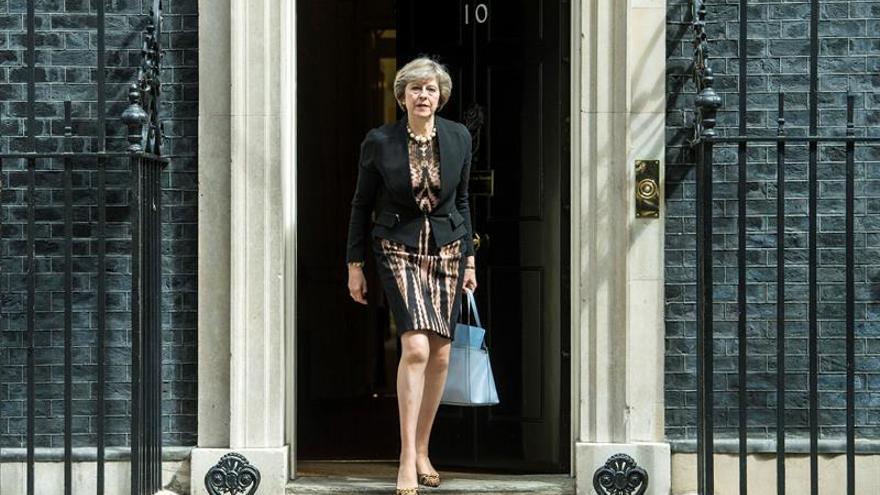 May y Leadsom inician la campaña para conquistar el voto conservador