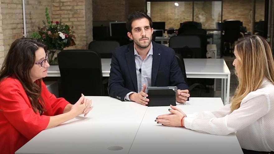 La vicepresidenta valenciana Mónica Oltra, el periodista Sergi Pitarch y Anna López, autora de una tesis doctoral sobre la extrema derecha