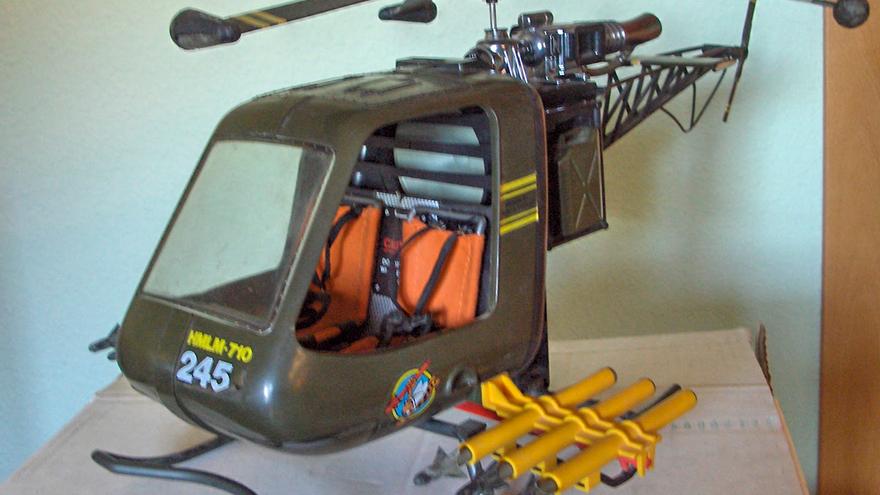Un helicóptero de juguete.