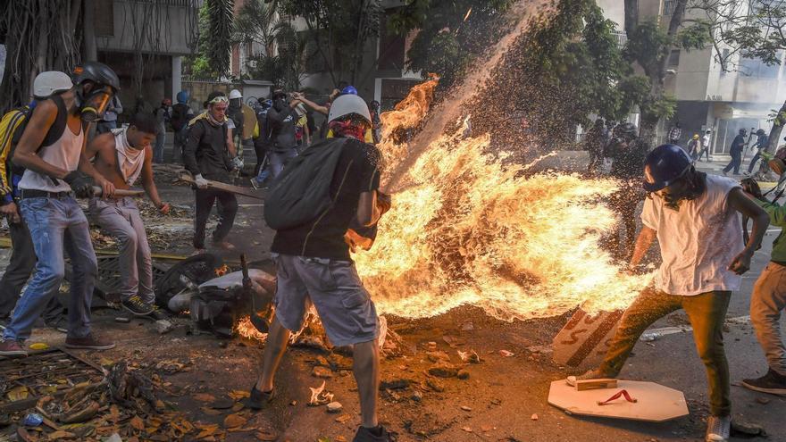 'Demonstrator Catches Fire' | Juan Barreto