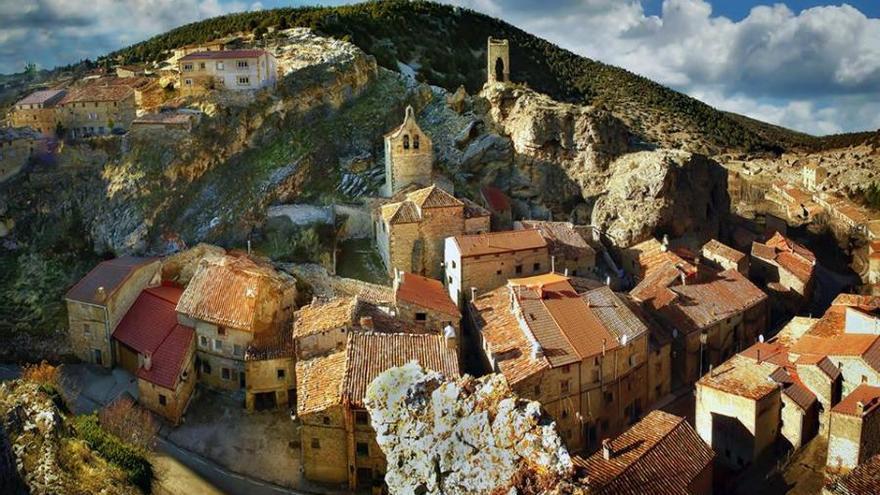 Vista de Chaorna desde lo alto de la 'hoz'. Turismo de Soria