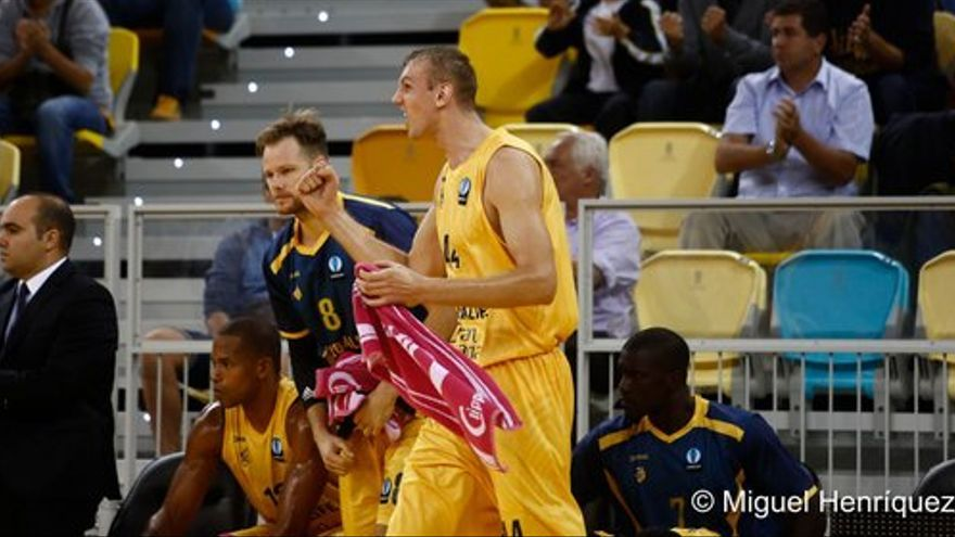 Ovidijus Galdikas durante el encuentro entre el Herbalife Gran Canaria y el Alba Berlin en el Gran Canaria Arena. (twitter oficial Herbalife Gran Canaria).