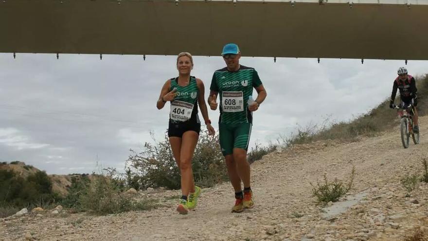 Mª Ángeles e Ismael preparándose para la Maratón Valencia