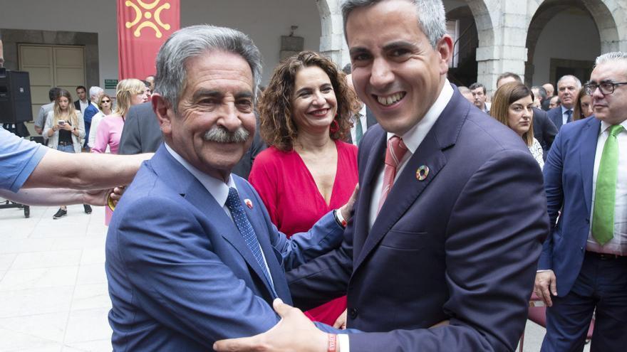 Miguel Ángel Revilla junto a su socio de Gobierno, el socialista Pablo Zuloaga. | NACHO ROMERO