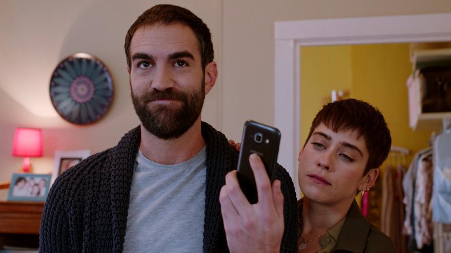 Jon Plazaola y María León, en la cuarta temporada de Allí Abajo