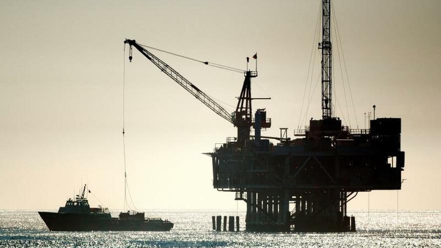 El petróleo de Texas sube un 2,2 % tras atraque a petrolero iraní