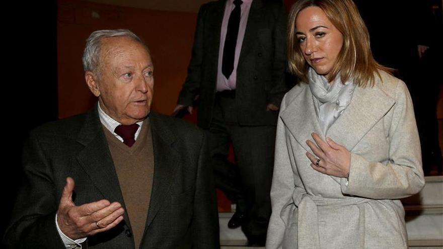 Carme Chacón muestra su disconformidad con el cese de Tomás Gómez