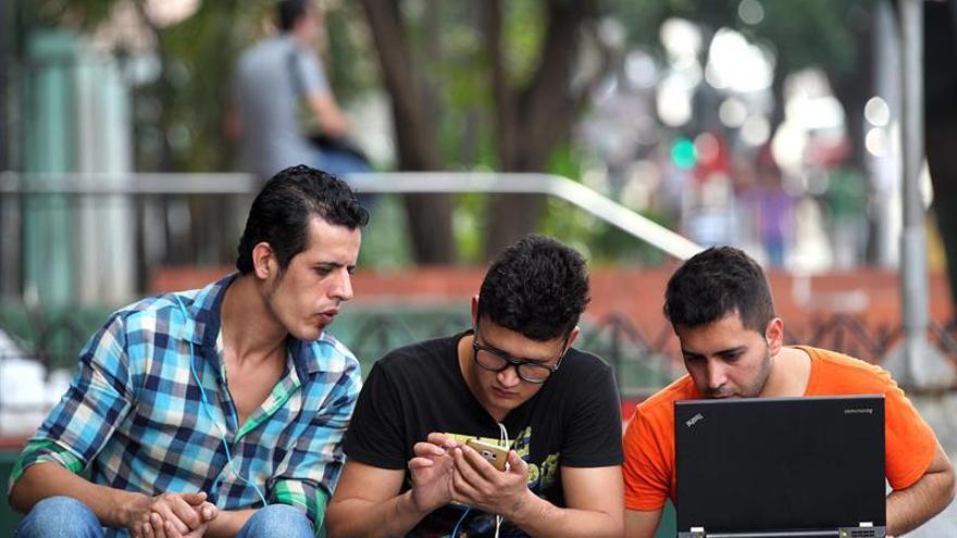 Cuba creció un 25 % en uso de redes sociales en 2017 y aumentó las visitas a Youtube