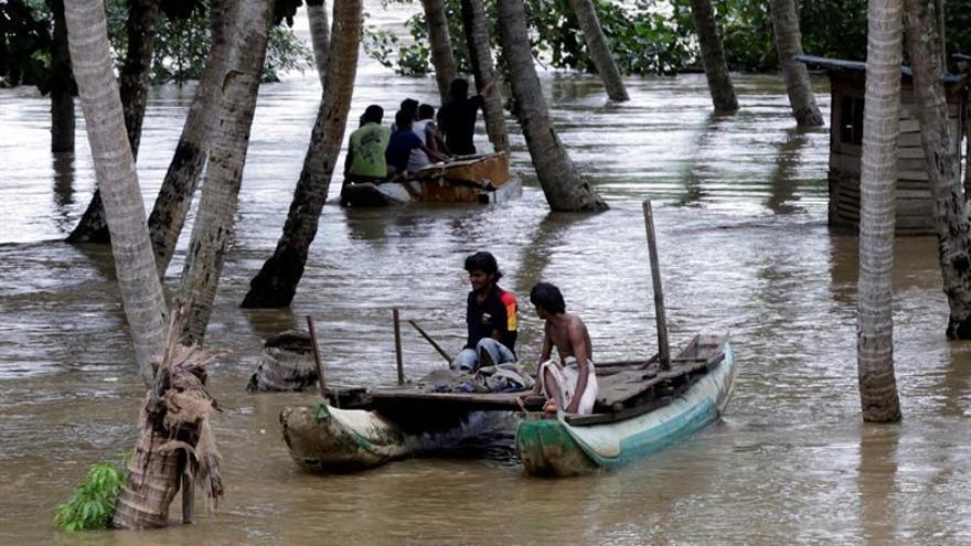 Once muertos y más de 130.000 evacuados por lluvias en Sri Lanka