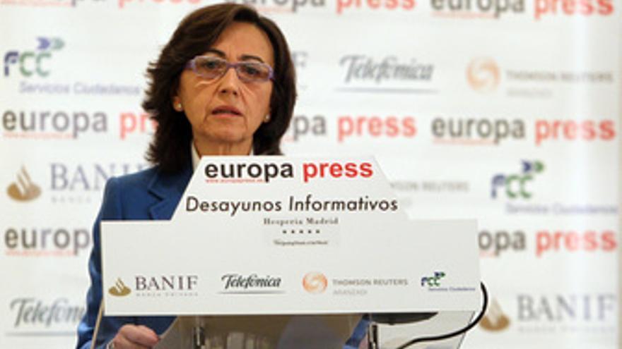 Ministra de Medio Ambiente y Medio Rural y Marino, Rosa Aguilar en los desayunos