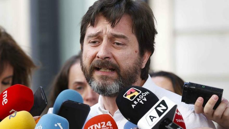 """Mayoral: De la reforma laboral del PP no quedarán """"ni los palos del sombrajo"""""""