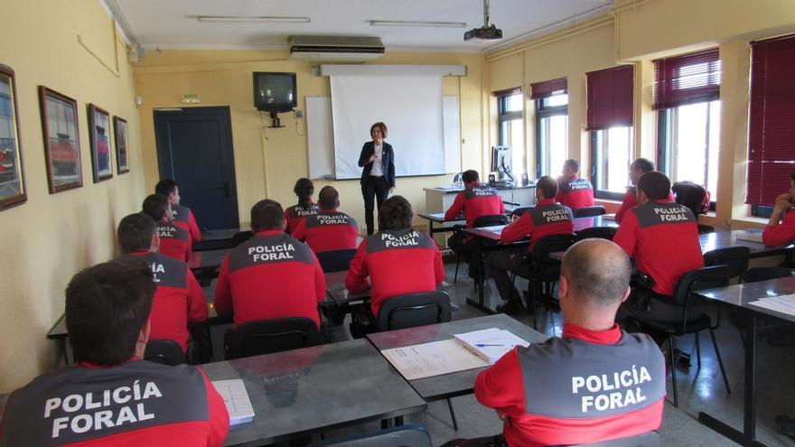 Más de 180 policías forales se forman sobre cómo atender a personas con autismo