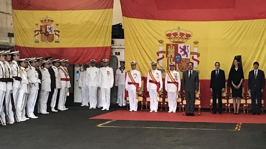 Ruth Beitia amadrina la entrega de la Bandera de Combate al buque 'Castilla'