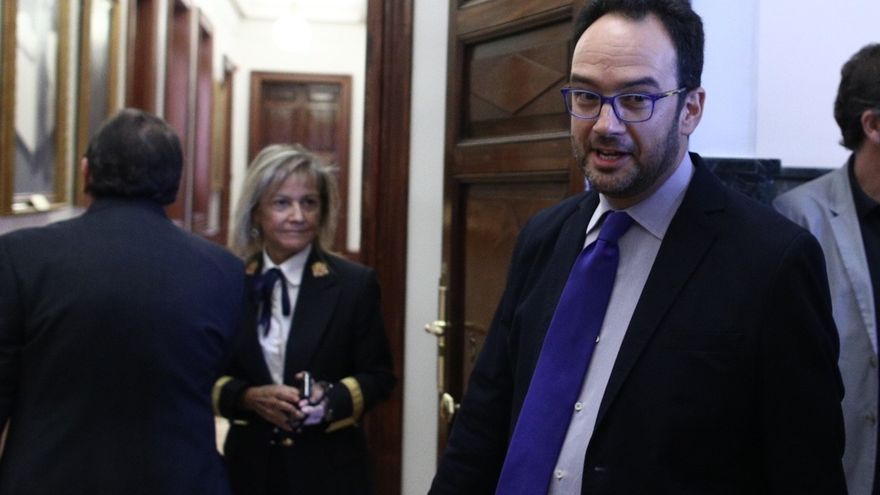 """Hernando (PSOE) dice que la gestora será """"razonable dentro de la gravedad"""" con los díscolos"""