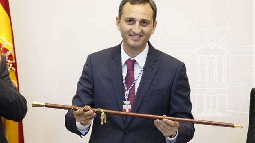 César Sánchez, en la toma de posesión como presidente de la Diputación de Alicante.