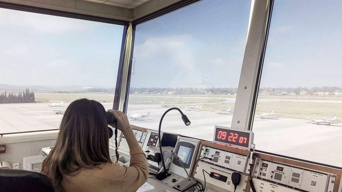 Torre de control del aeropuerto de Córdoba.