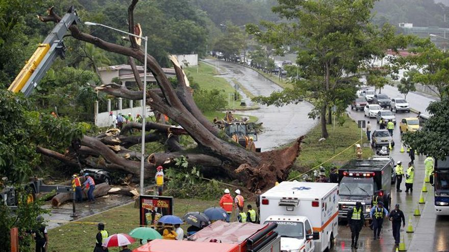 Aumentan a 4 los muertos y un desaparecido por la tormenta Otto en Panamá