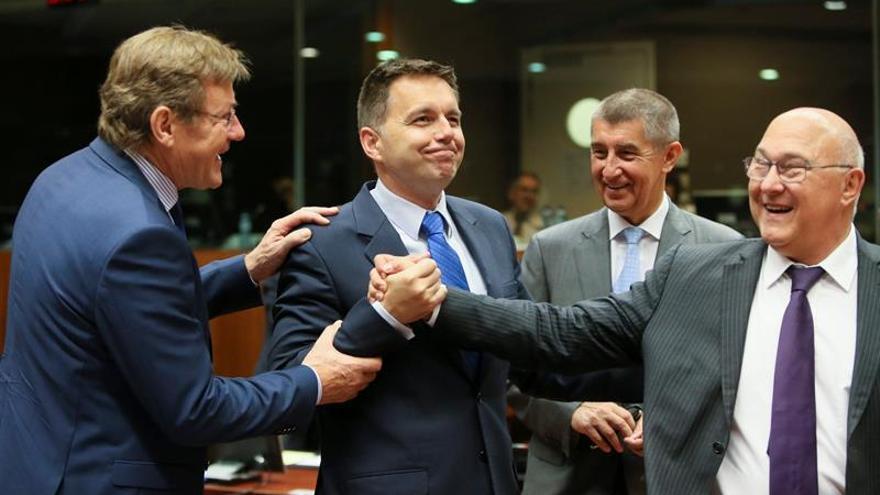 La UE adopta nuevas normas contra la evasión fiscal corporativa
