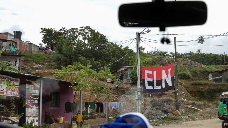 Una bandera de la guerrilla del ELN en Colombia.