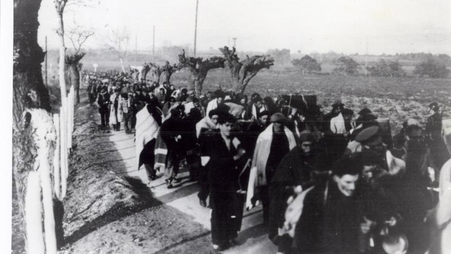 Retirada de combatientes durante la guerra civil española