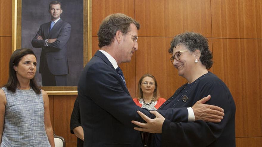 Feijóo felicita a la Valedora do Pobo, Milagros Otero, en su investidura