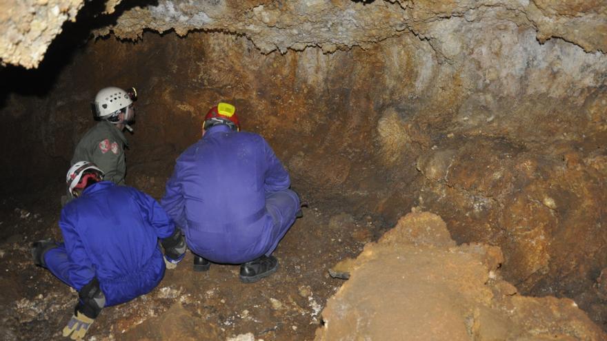 Imagen de la Cueva Honda del Benejado.