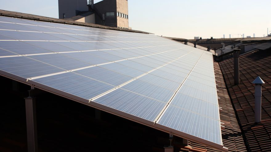 La energía solar cuenta con un mantenimiento fácil y pocas posibilidades de avería.