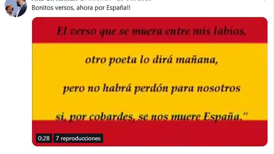 Tuit de Ana Gil Román con poema de homenaje a José Antonio Primo de Rivera.