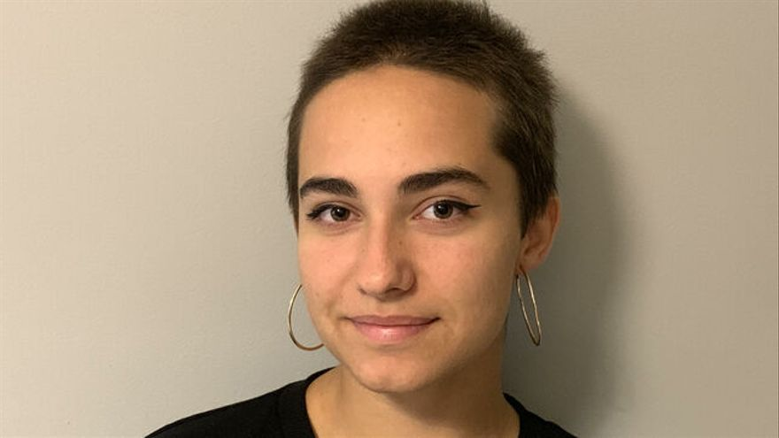 Noemi Alonso, estudiante que padece hipoacusia y con una de las notas más altas en selectividad.