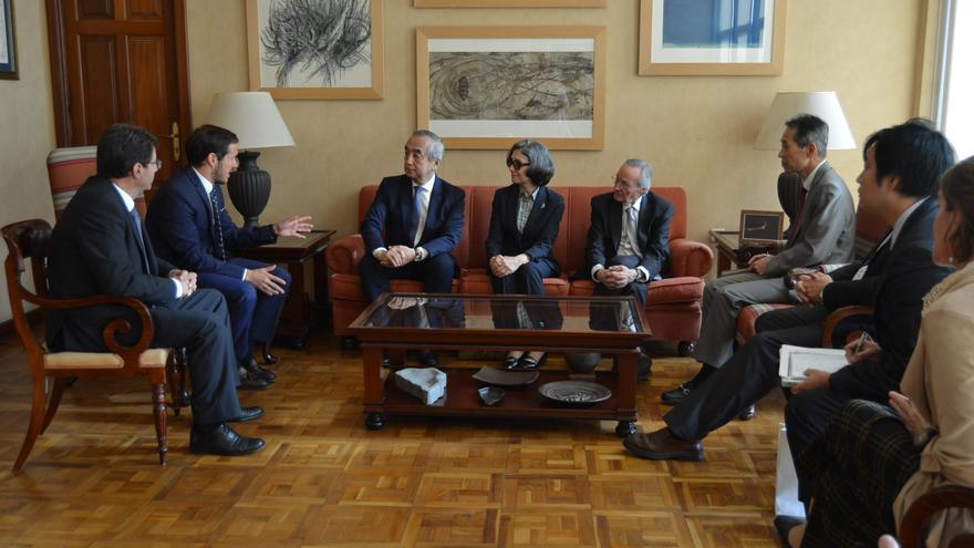 Un momento de la reunión mantenida en el Cabildo.
