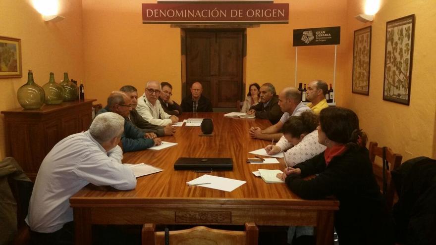 Reunión de los viticultores de Gran Canaria con el consejero insular de Agricultura, Miguel Hidalgo