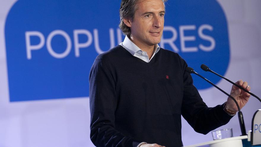 El alcalde de Santander, Íñigo de la Serna (PP), ha sido el blanco de todas las críticas de la oposición por la actuación del Ayuntamiento en el incendio de Tetuán.