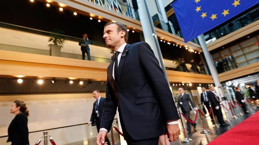 """Emmanuel Macron: """"La historia un día también tendrá que juzgarnos"""""""