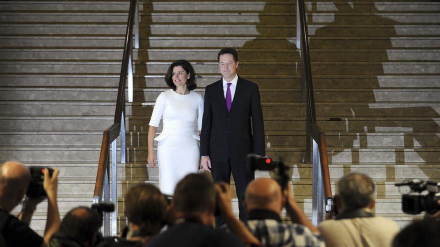 Clegg prepara a los liberaldemócratas para un duro camino en el Gobierno