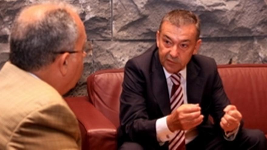 Paulino Rivero y Casimiro Curbelo se reunieron este martes. (ACFI PRESS)