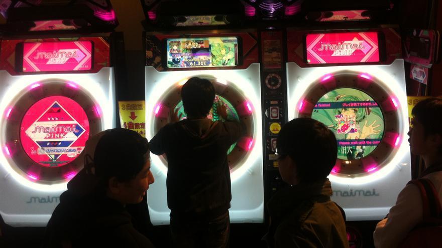 Los salones de recreativas siguen siendo un espectáculo digno de admirar en Japón. (Imagen: Cedida por David Boscá)