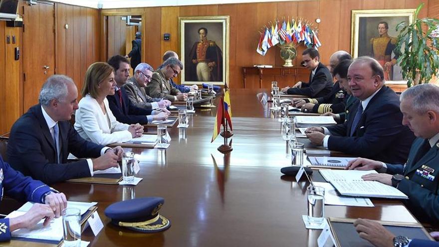 Cospedal ve en observadores en colombia mejor modelo for Politica exterior de espana